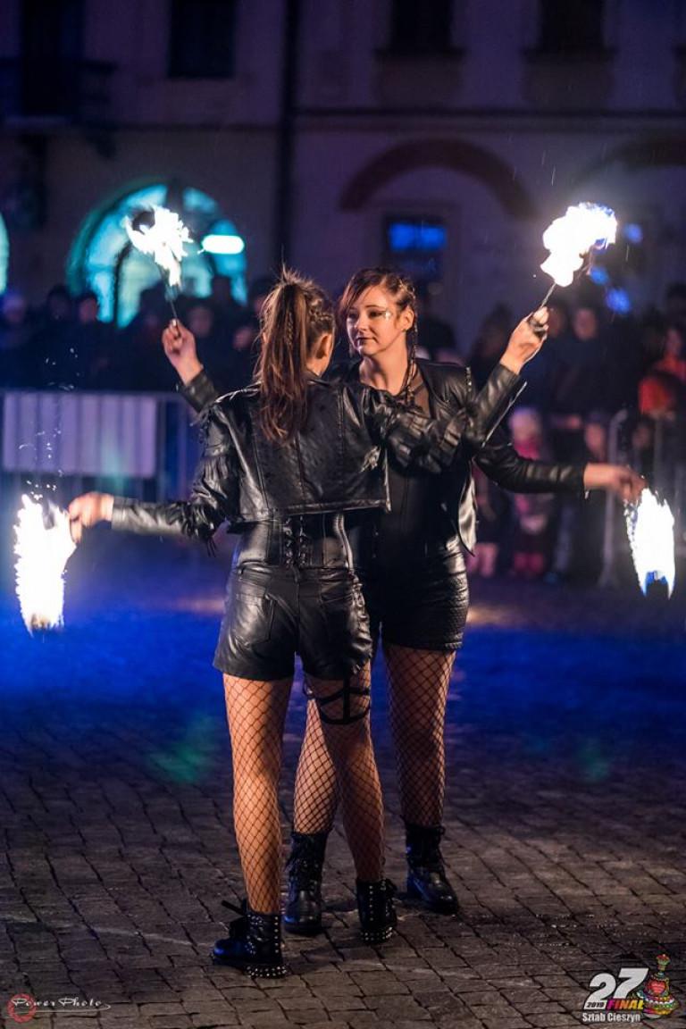 Inferis Teatr Ognia fireshow pokaz tańca z ogniem_7703443772918464512_n